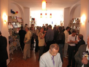 Lansare de carte la Libraria Agata(13mai2009)