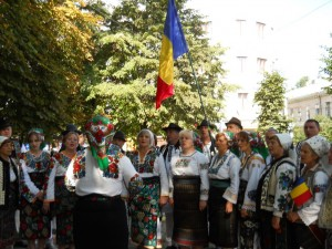 Grupul Etno- Folcloric ,,Fetele din Bucovina''     [1024x768]