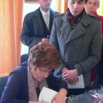 """Maria Moisoiu a trecut pe sub furcile caudine - Lansarea cărții ,,Videoclipe"""" apărută la Editura Agata"""
