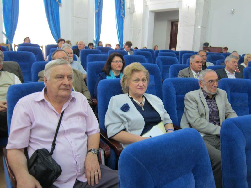 6. La Academia de Stiinte a Moldovei [800x600]