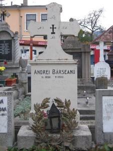 3 Mormantul lui ANDREI BARSEANU, Cimitirul Bisericii Sfanta Parascheva din Groaveri [800x600]