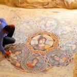 Descoperire uimitoare:  Mozaicuri vechi de 2 200 de ani găsite într-un antic oraş grecesc