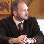 """Editorial. Biserica este singura instituţie care cheamă la pace în """"războiul"""" româno-român"""