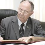 Mare Onoare, de duminică 14 octombrie 2018, academicianul Constantin D. Dimoftache (C.D. Zeletin) este primul Cetăţean de Onoare a comunei natale