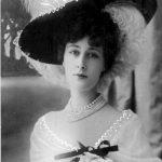 Liane de Pougy, scriitoare, dansatoare, doamnă de companie, o curtezană, cu dublă cetăţenie, franceză şi română, de unde şi pseudonimul Prinţesa Ghika...