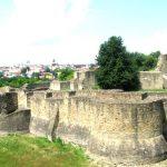 Pășind cu smerenie în capitalele istorice ale României