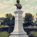 Bustul lui Mihai Eminescu de la Botoșani