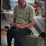 """Un ultim Omagiu al cadrelor didactice și școlarilor din Vorniceni adus co-fondatorului Muzeului ,,Virtutea Sătească a Vornicenilor"""", prof. Gheorghe Gherman"""